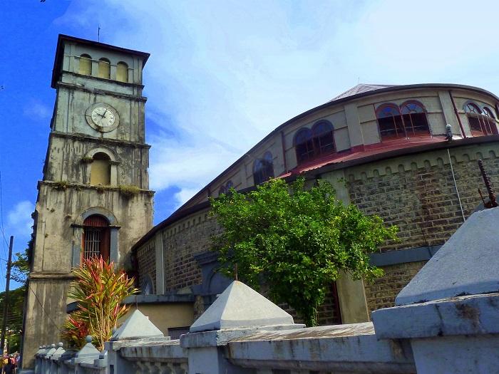 12 Castries Church