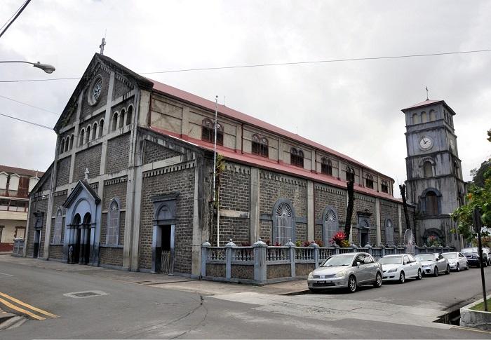 4 Castries Church