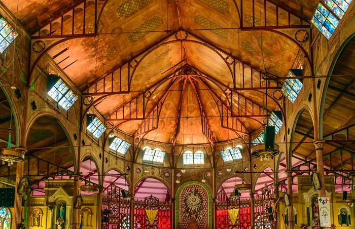 5 Castries Church