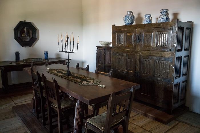 6 Colon Dominican
