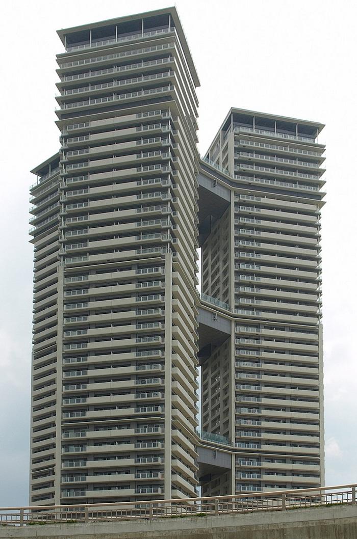 5 Fukuoka Sky Club