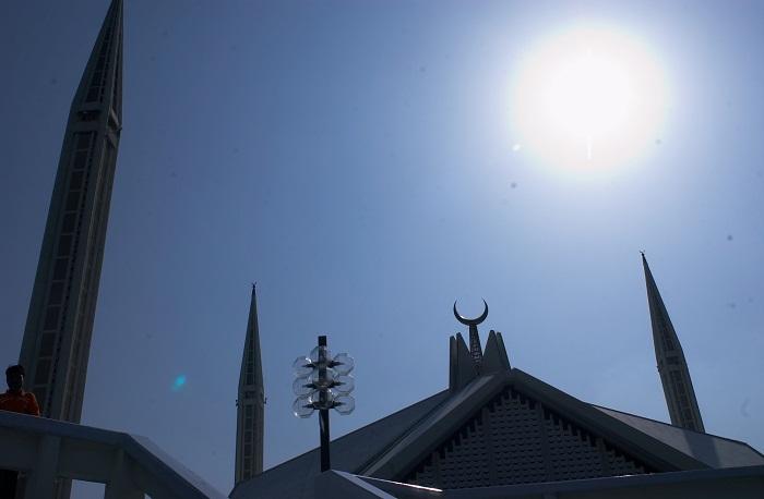 4 Faisal Mosque