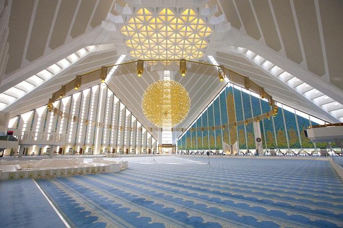 6 Faisal Mosque
