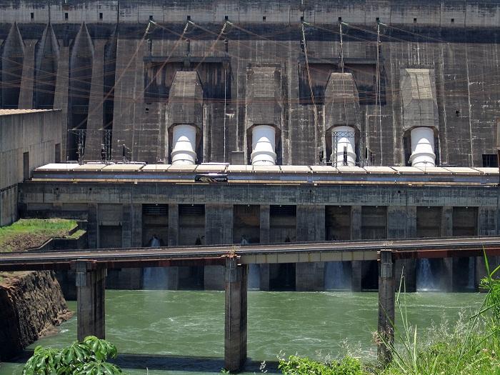 7 Itaipu Dam