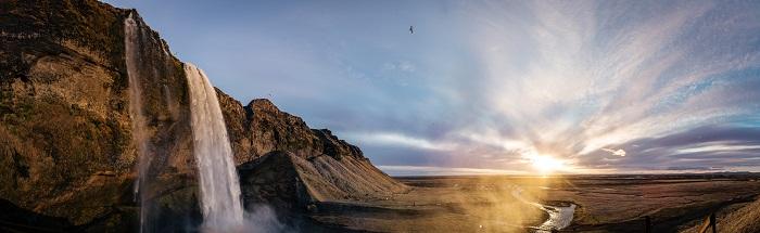 8 Seljalandsfoss