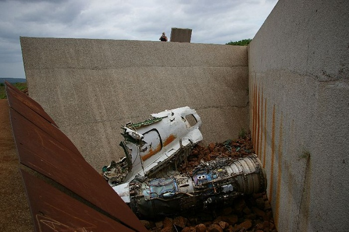 2 Machel Monument