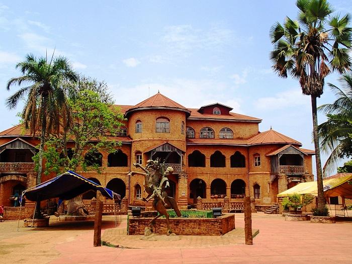 1 Foumban Palace
