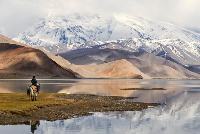 6 Lake Karakul