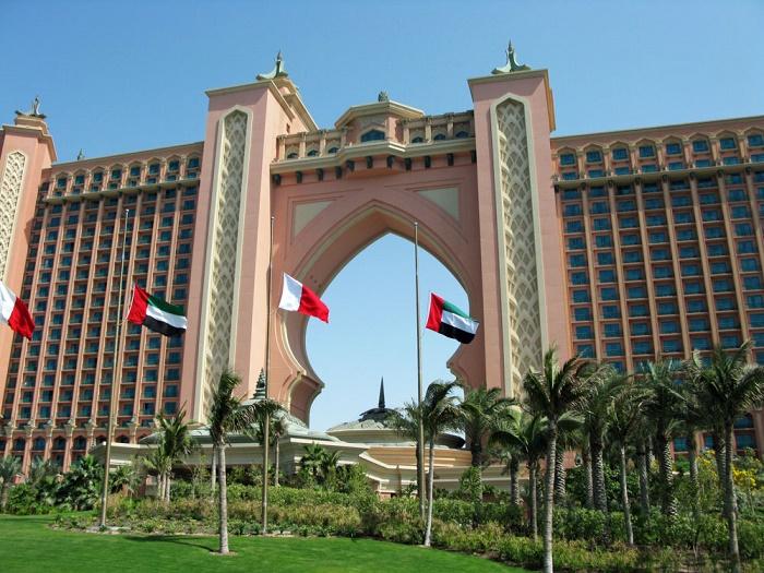 9 Atlantis Palm