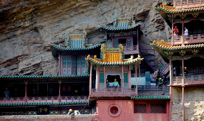 8 Hanging Temple China
