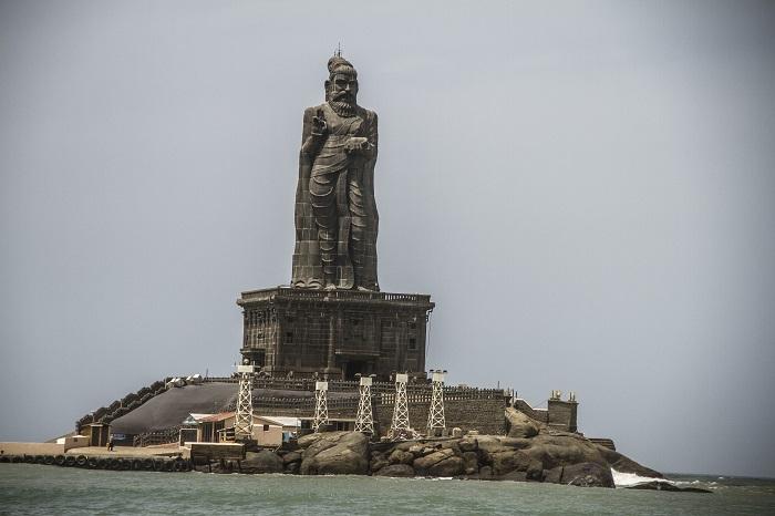 7 Thiruvalluvar