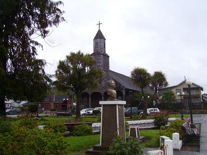 1 Achao Church