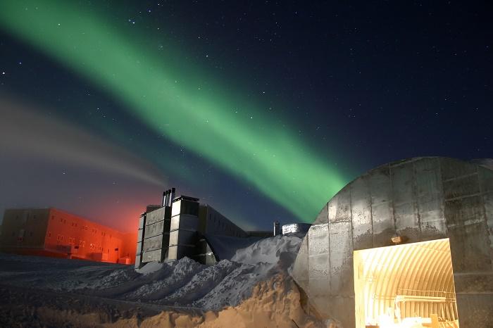 2 Amundsen Scott