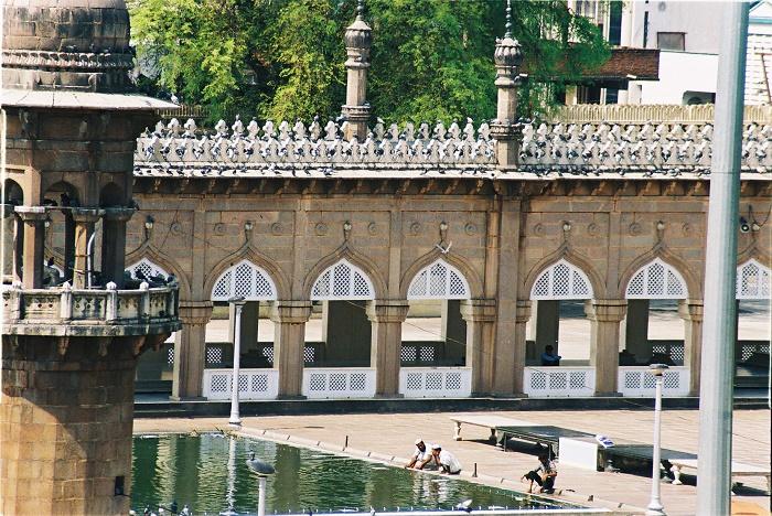 6 Makkah Masjid
