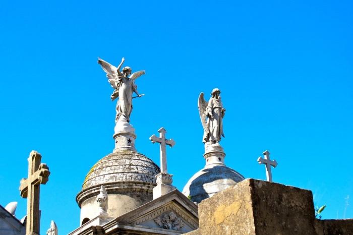 10 Recoleta Cemetery