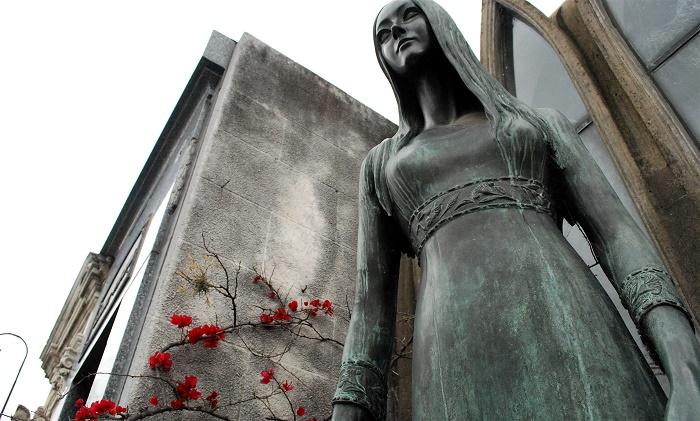 17 Recoleta Cemetery