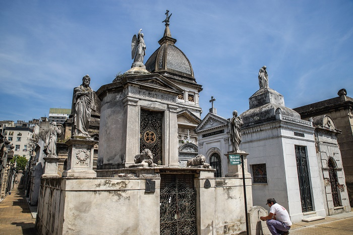 19 Recoleta Cemetery