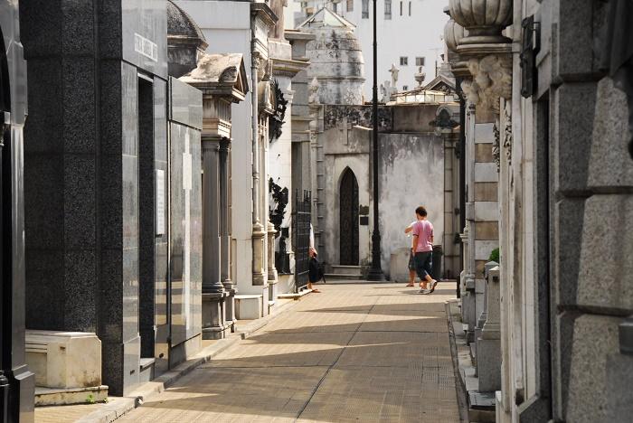7 Recoleta Cemetery