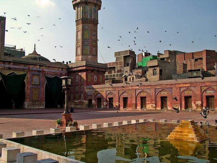 3 Wazir Mosque