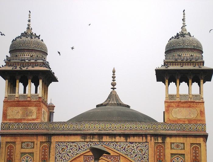 6 Wazir Mosque