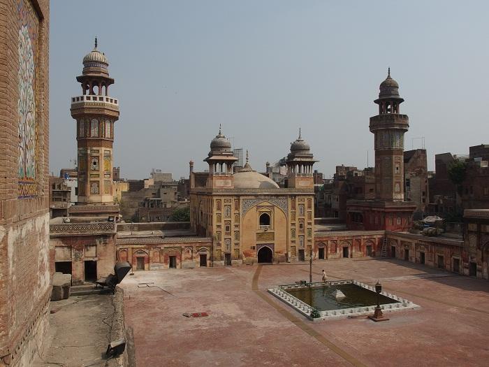 7 Wazir Mosque