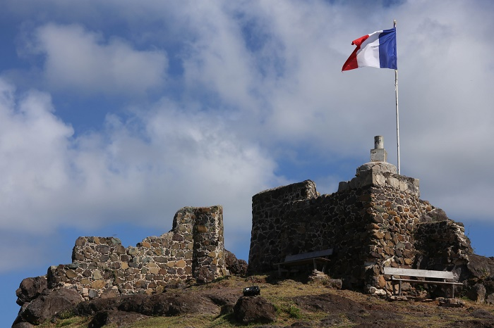 1 Fort Louis