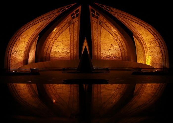 10 Pakistan Monument