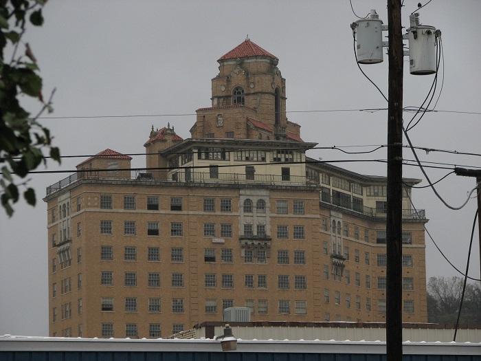 3 Baker Hotel