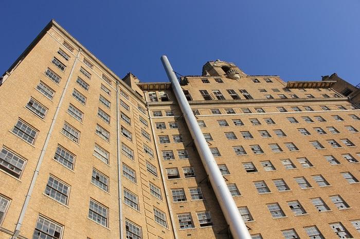 5 Baker Hotel