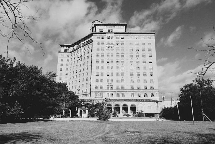 6 Baker Hotel