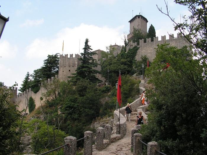 7 Cesta Tower