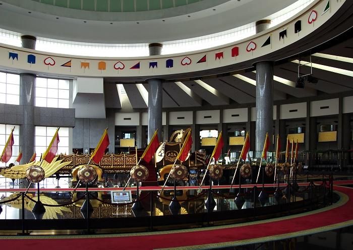 4 Royal Regalia Brunei