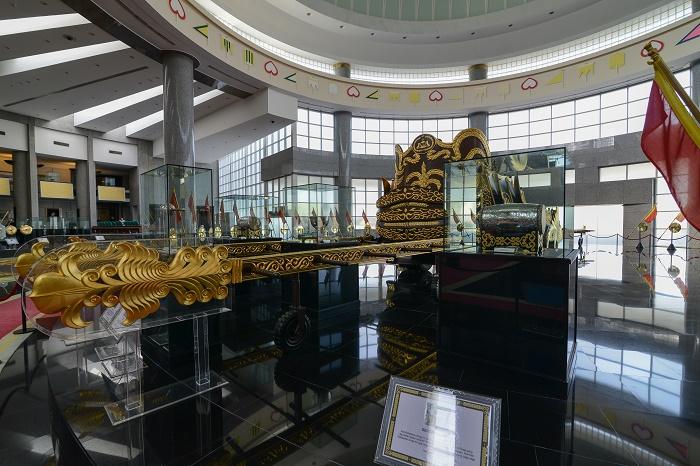 5 Royal Regalia Brunei