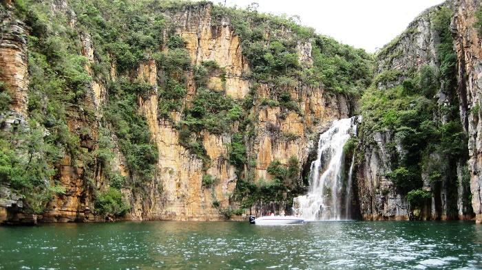 8 Canyon Furnas
