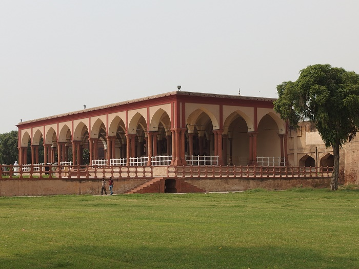 10 Lahore Fort