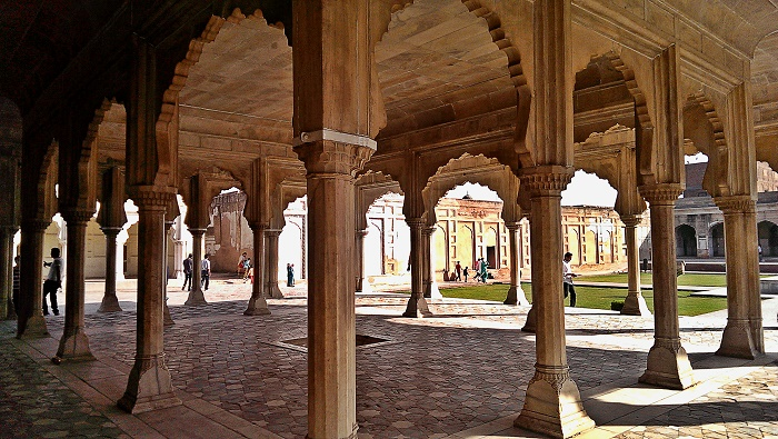 14 Lahore Fort