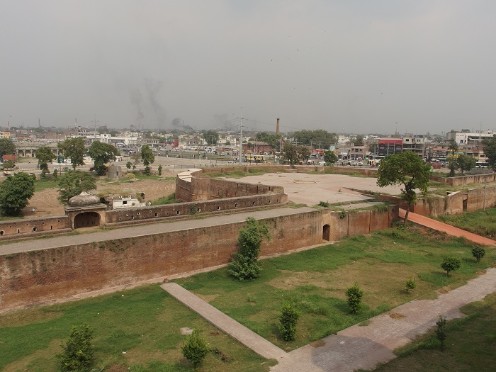 3 Lahore Fort