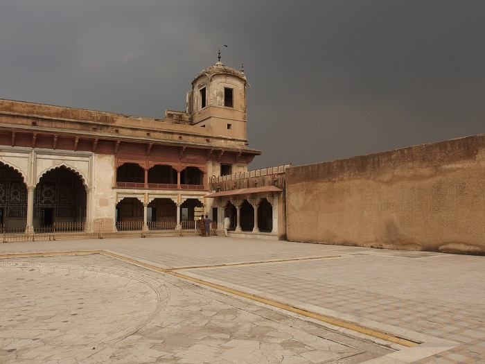 4 Lahore Fort
