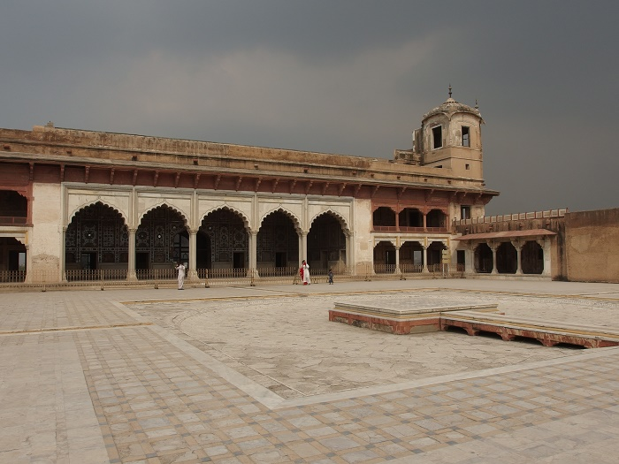 6 Lahore Fort