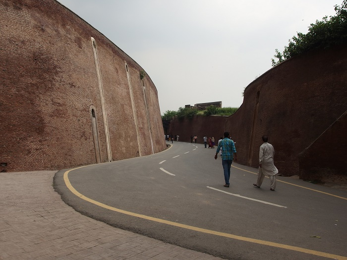 9 Lahore Fort