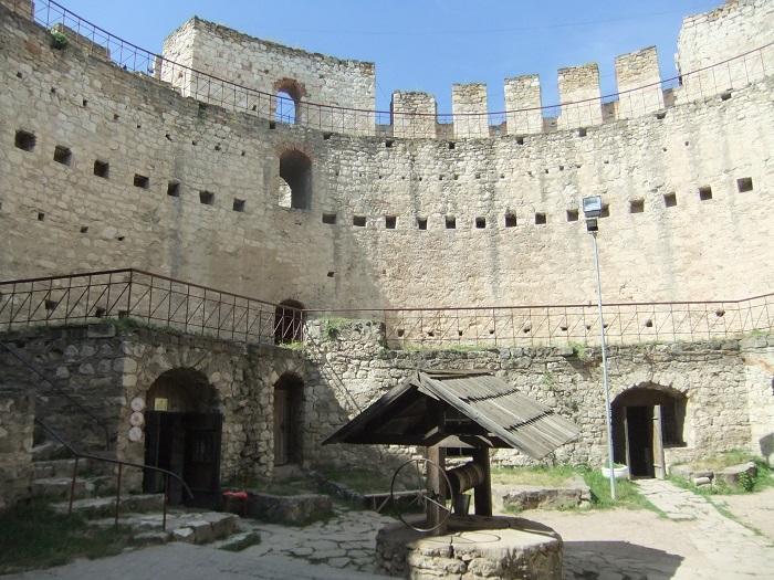 2 Soroca Fort