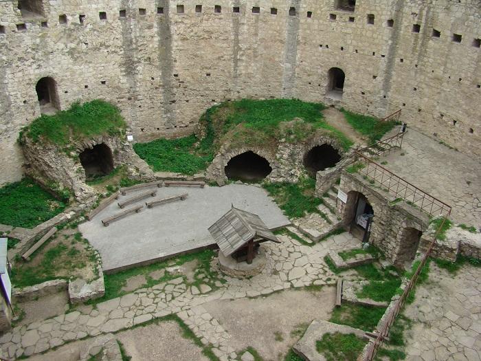 8 Soroca Fort