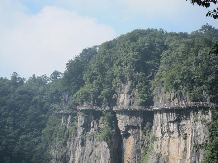 9 Tianmen Mountain