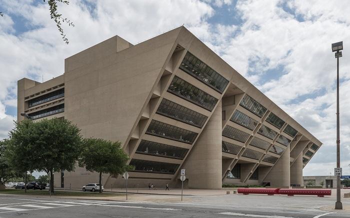 6 Dallas Hall