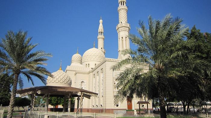 2 Jumeirah Mosque
