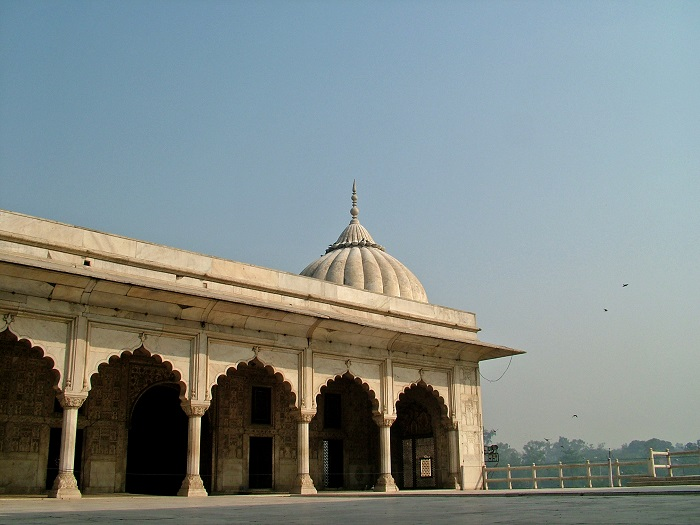 2 Red Delhi