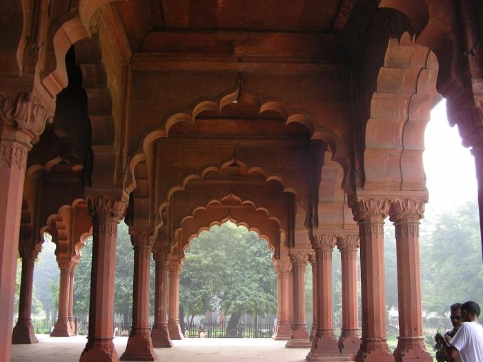 6 Red Delhi