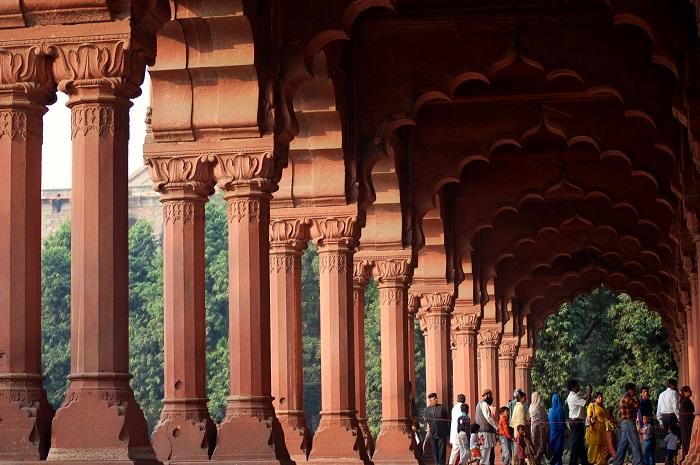 8 Red Delhi