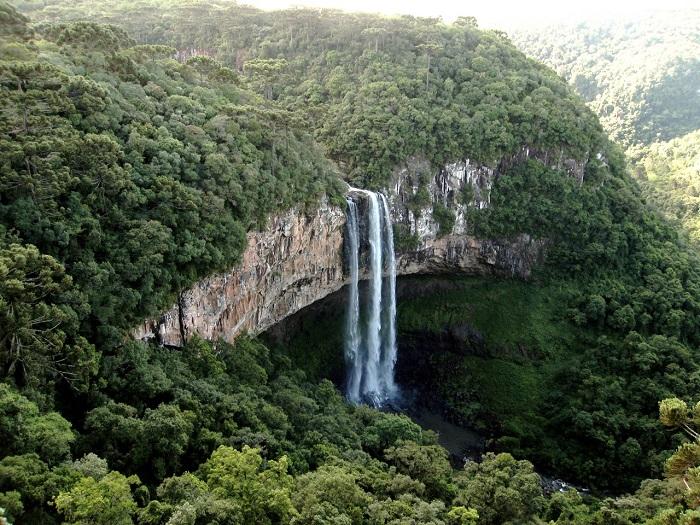2 Caracol Falls