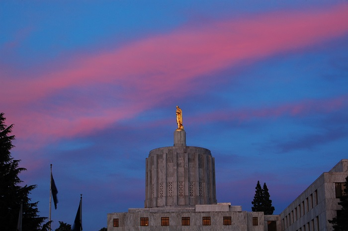 14 Oregon Capitol